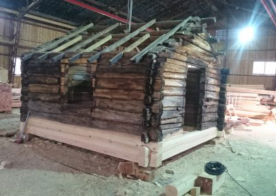 Restaurering av gammel laftet uthus - 2