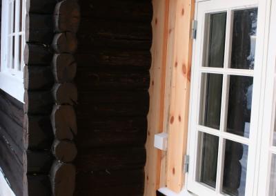 Tilbygg og restaurering i gammelt laft på laftehytte-7