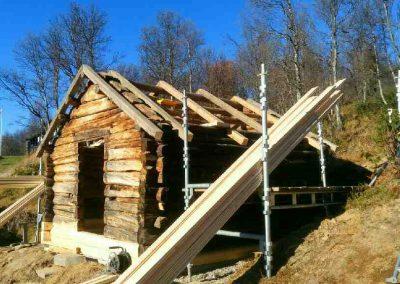 Restaurering av gammel laftet uthus - 3