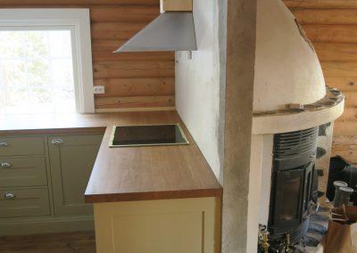 restaurert interiør i gammel hytte-2