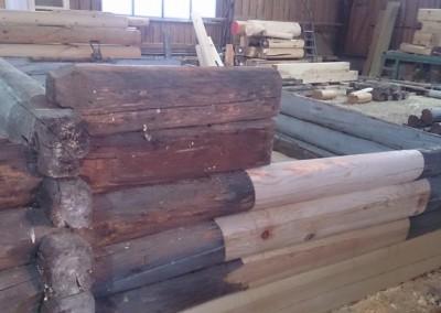 Tilbygg og restaurering i gammelt laft på laftehytte-2