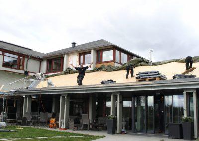 Nytt tak utvendig på Oset Høyfjellshotell - 4